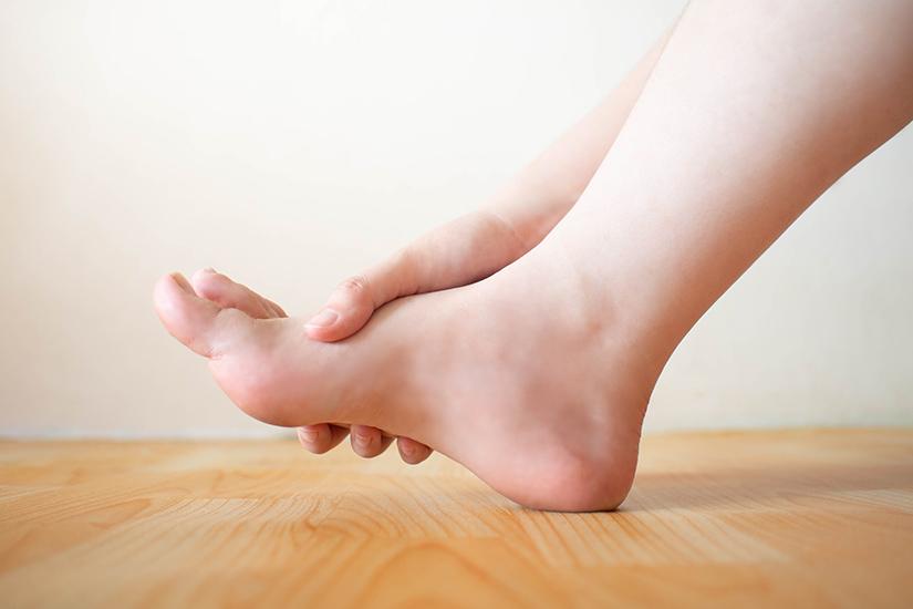 inflamație articulară la simptomele picioarelor)