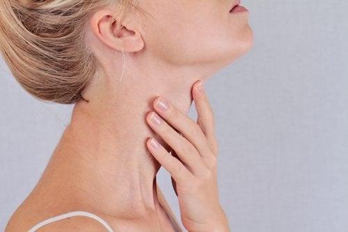 dureri articulare și glanda tiroidă)