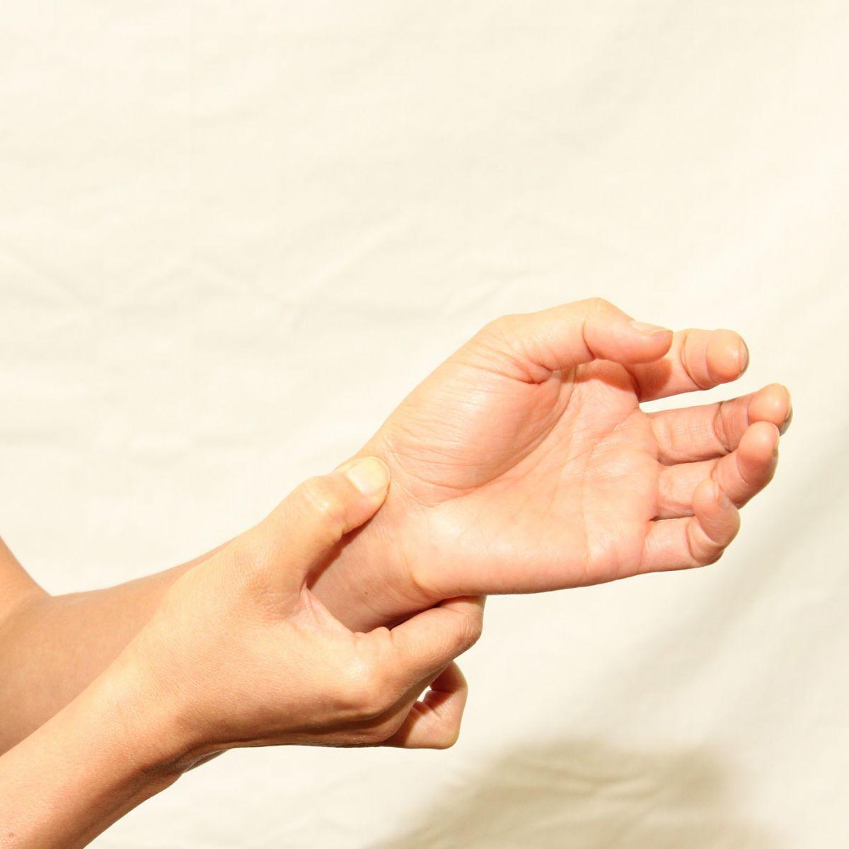 dureri la încheietura mâinii în timpul efortului tratament comun seregovo