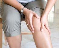 durere ascuțită severă la genunchi