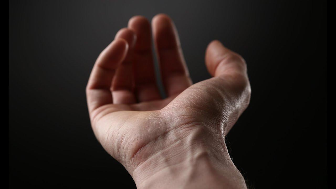 durerea degetului arătător în articulația mâinii stângi)
