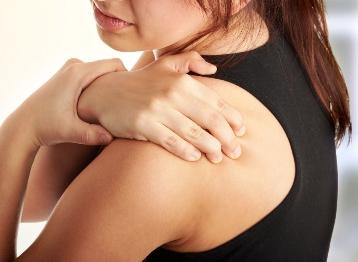 cum face artrita articulației umărului)
