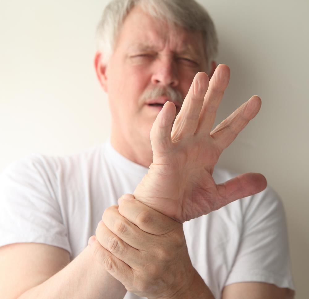 durere într-o articulație a degetului arătător)
