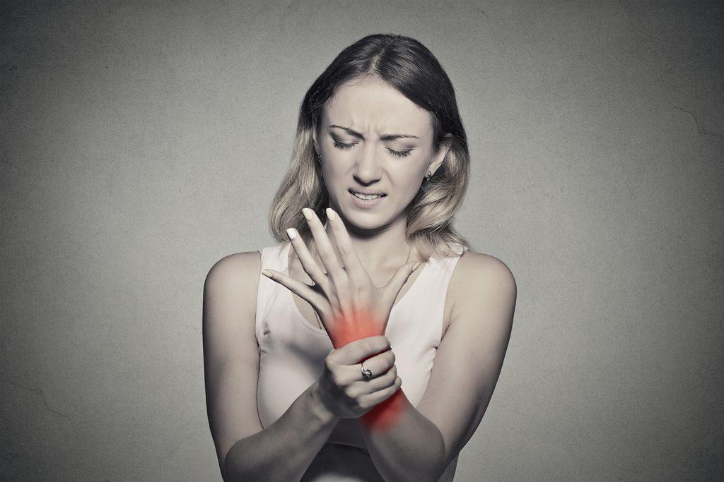 rigiditatea dimineții și dureri articulare)