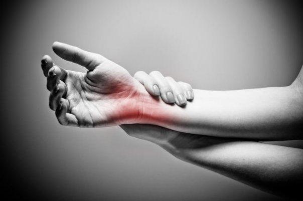 dureri la încheietura mâinii după o rănire veche