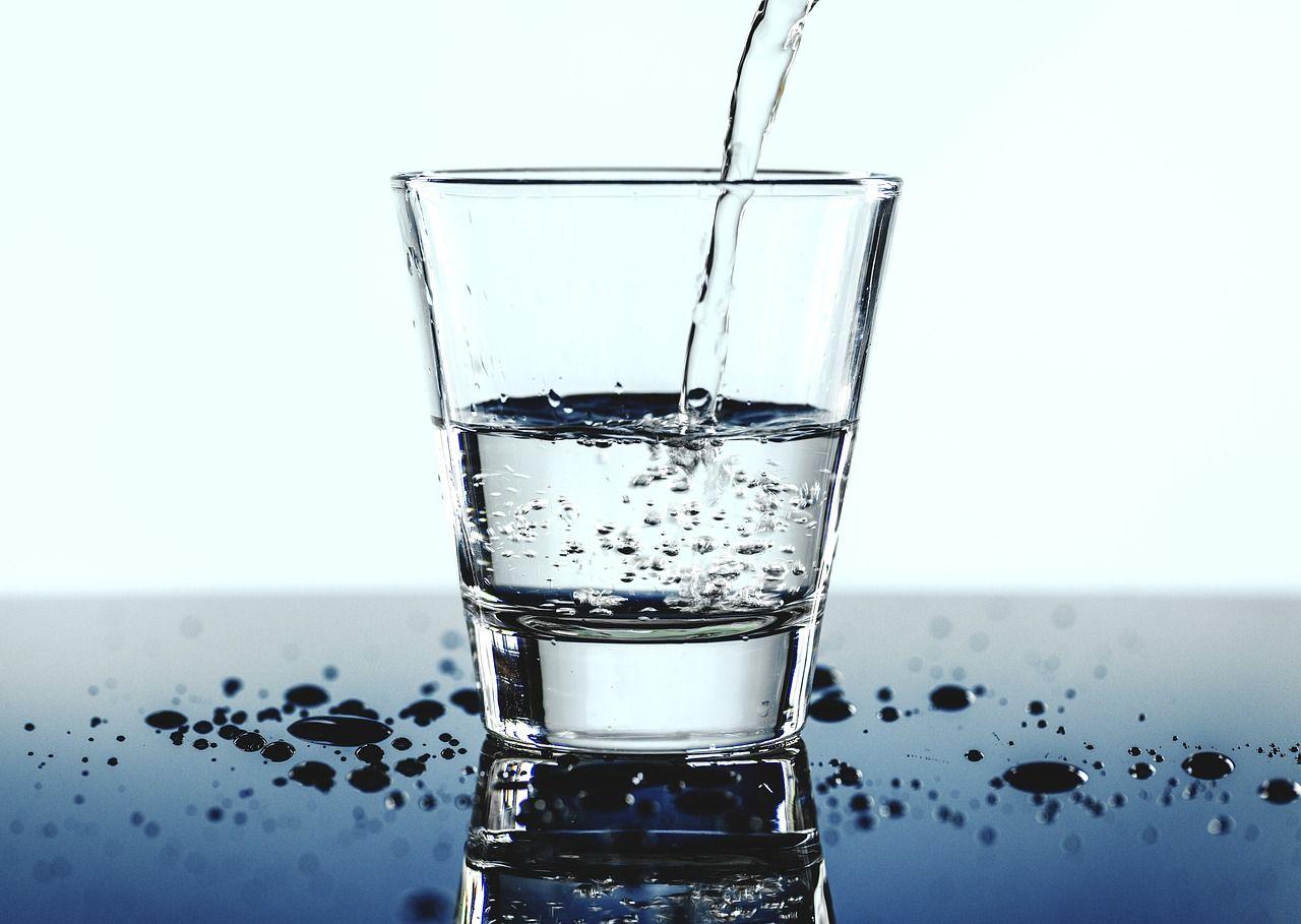 apă minerală pentru boala articulară