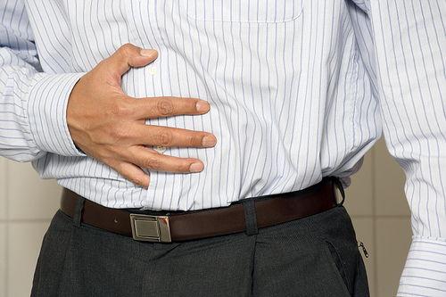 Gastroenterită sau intoxicație alimentară - cum le deosebești?