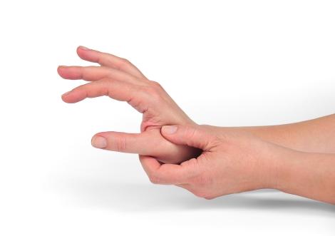 degetele în articulații pe mâini doare