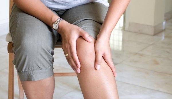 Cum să scapi de durerea de genunchi cu oţet de mere. Remediul naturist garantat de medici