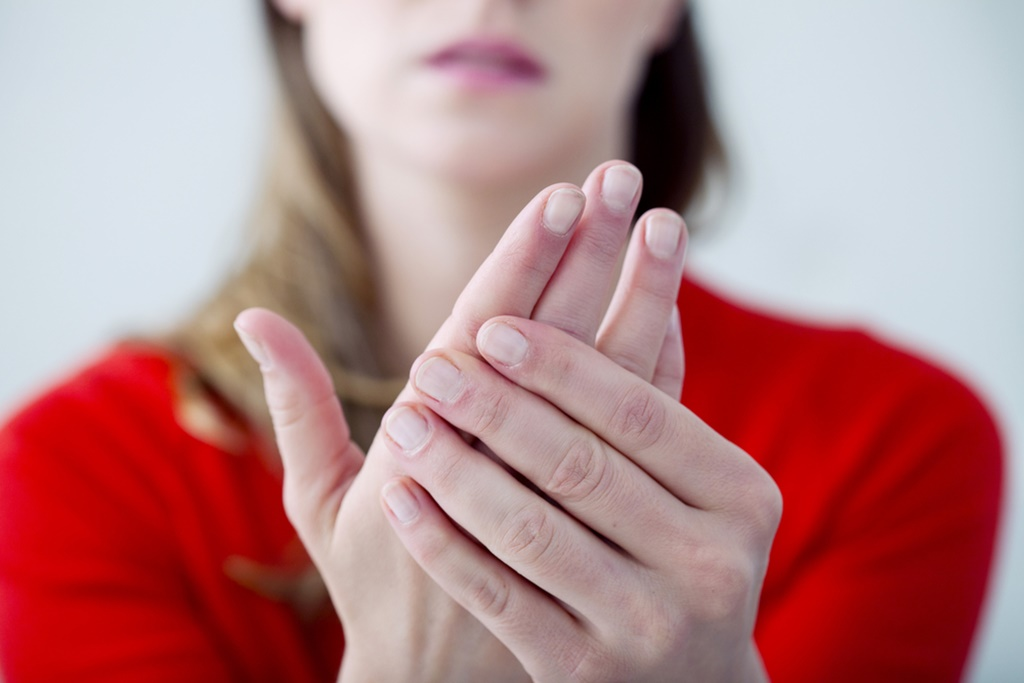 cum să tratezi o articulație a mâinilor