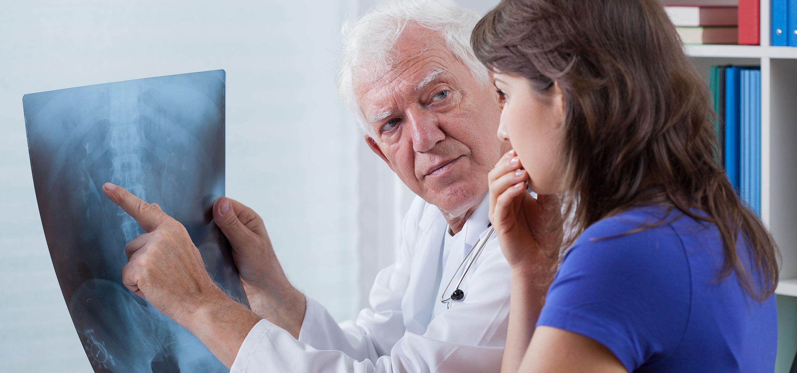 boli osoase și articulare la bătrânețe