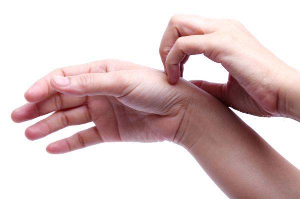 Dureri la încheietura mâinii după o rănire veche Acasă remedii pentru degetele artritice,