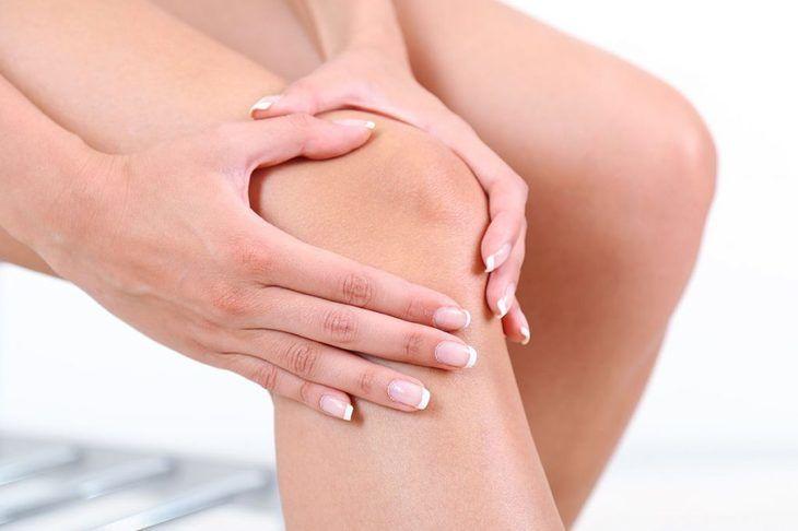 tumoră fără dureri de genunchi)