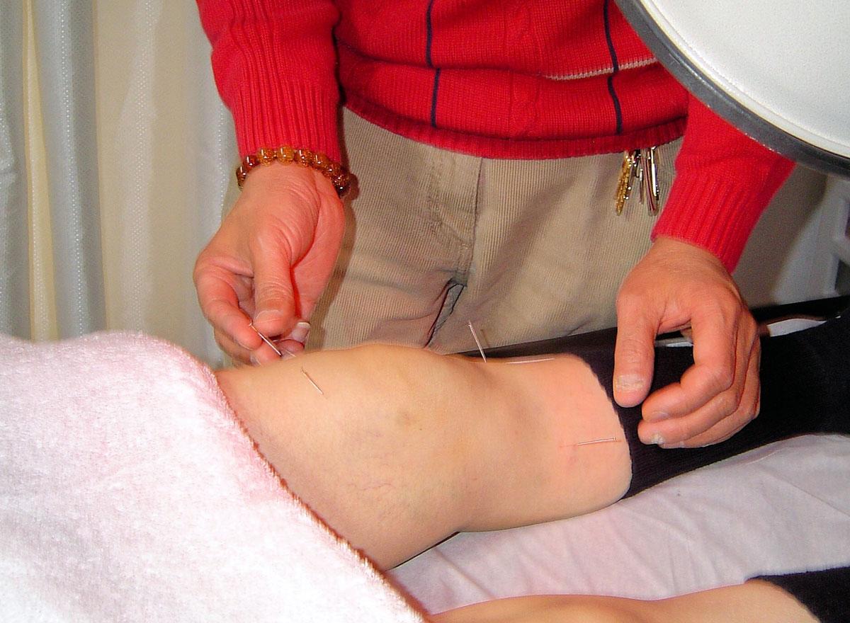 cum este tratată artrita purulentă)