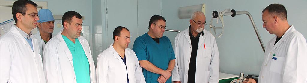 chirurgi care tratează articulațiile artroza meniscului articulației genunchiului