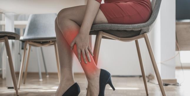 picioarele sunt grele, iar picioarele în articulație doare