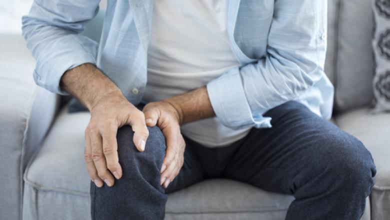 de ce rănesc articulațiile de frig