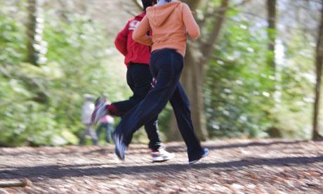 după alergarea durerii la genunchi)
