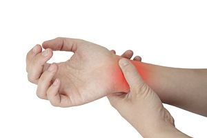 Iulia durere ascuțită în mâna dreaptă și încheietura mâinii De un