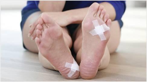pericol de rănire la gleznă)