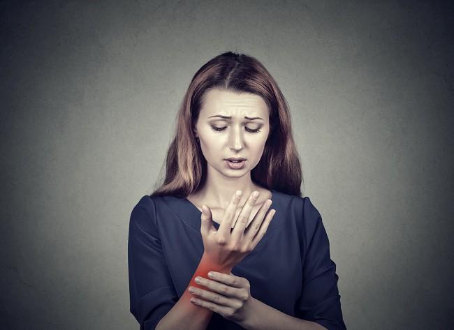 articulațiile mâinilor doare și mâncărime