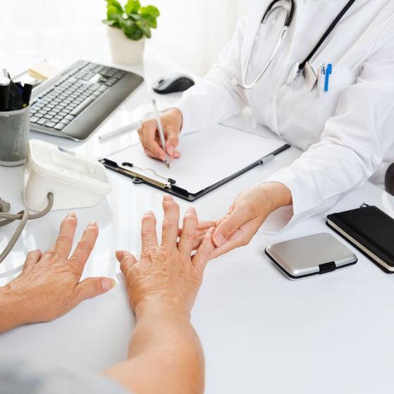 care tratează artrita clamidială Dureri dureroase la genunchi în articulația șoldului