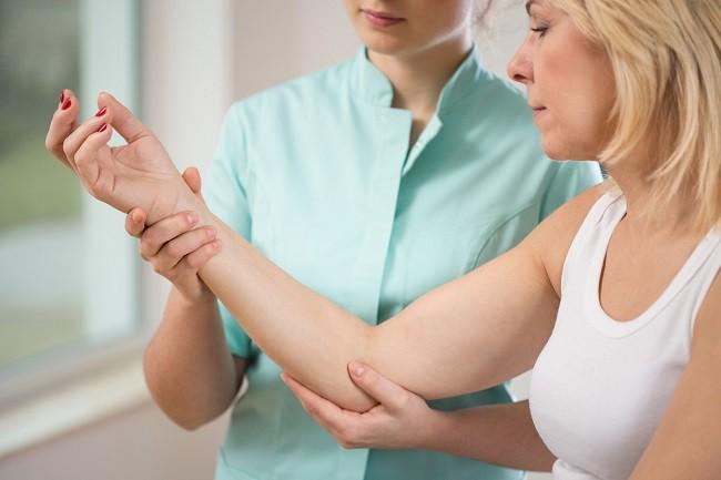 Durerile la nivelul mainii pot fi sindrom de tunel carpian