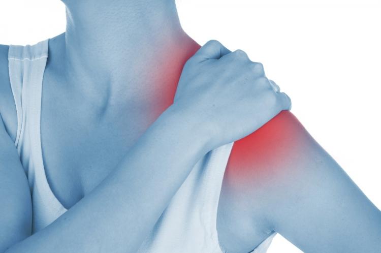 articulațiile umerilor și brațelor doare