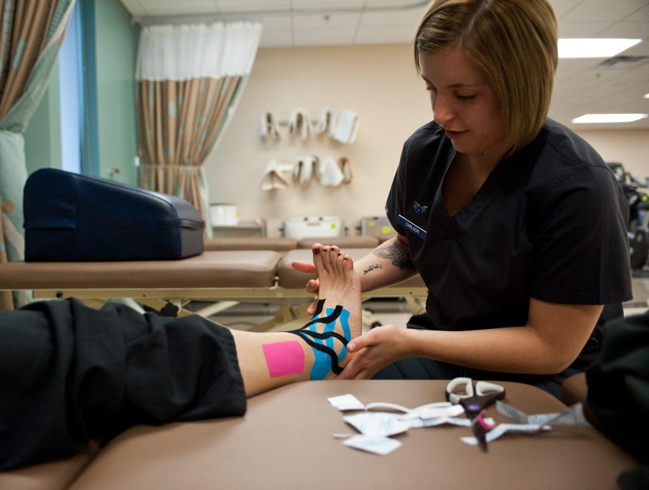 vindeca sportivii articulațiilor